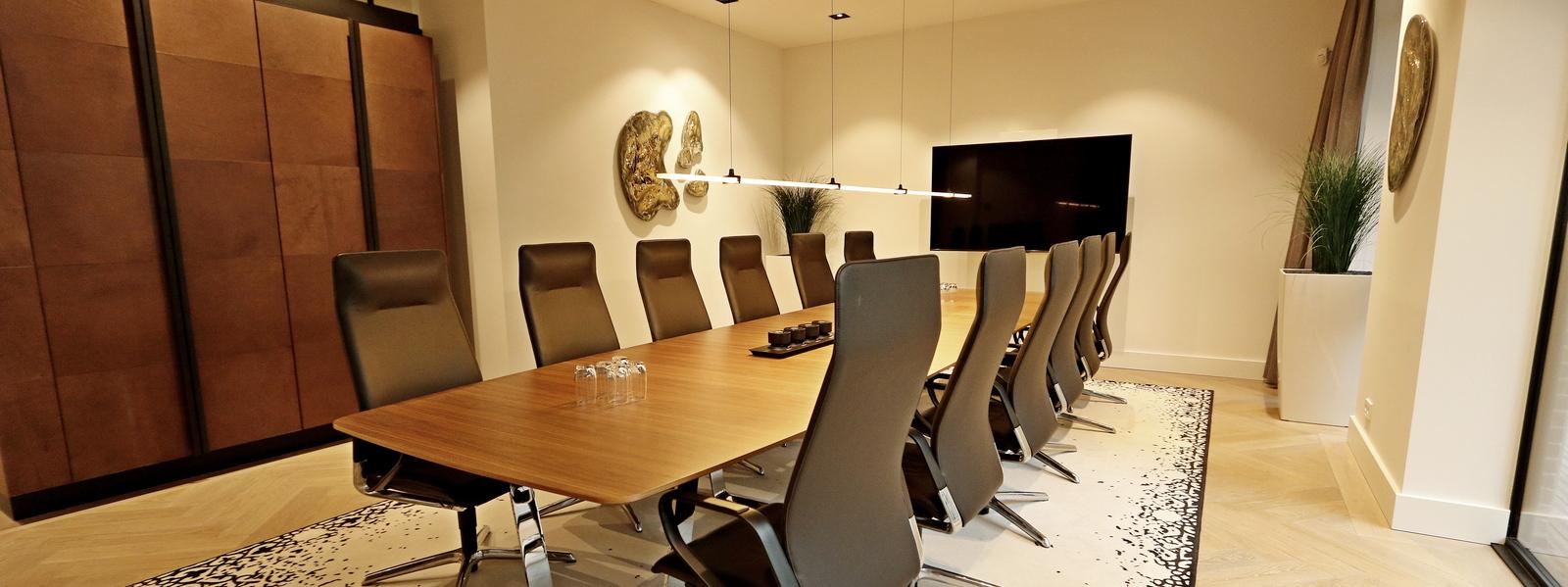 Perla referentie Lincoln International boardroom panorama