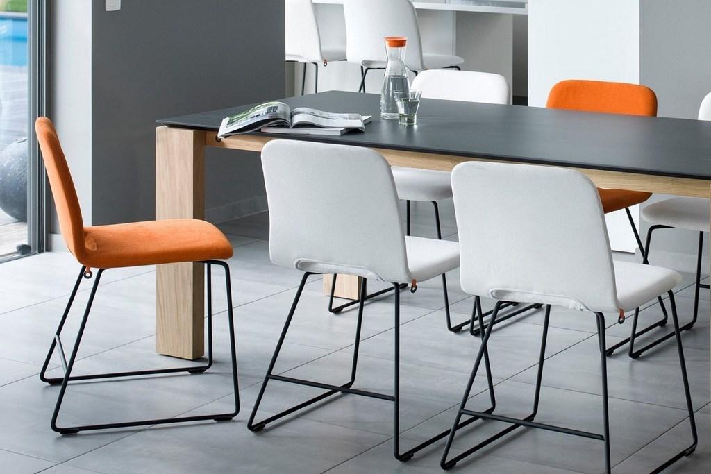 Mobitec Pamp stoel in oranje stoffering